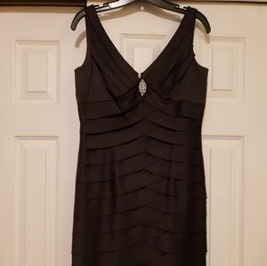Jones studio black scallop Cocktail dress size 6